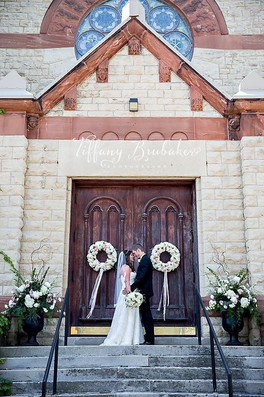 Kyle antigone s waterfront wedding la crosse wi for Wedding dresses la crosse wi